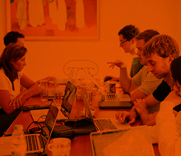 Singular & Multidisciplinar Team